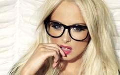 7029551-beauty-woman-blonde-glasses-fashion